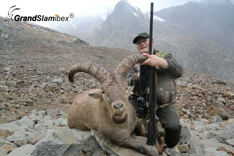 Dagestan-tur-hunting-in-Russia