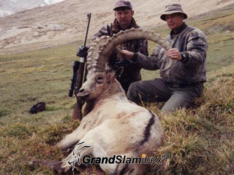 Mid-Asian-Ibex-hunt-in-Kyrgyzstan - S1 (2)